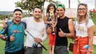 Acompanhante Adilson Vicente e sua filha Evelyn Lourence com 2 Tucunarés, 1 tendo 35 cm e o 2° 39 cm, contabilizando 74 cm.