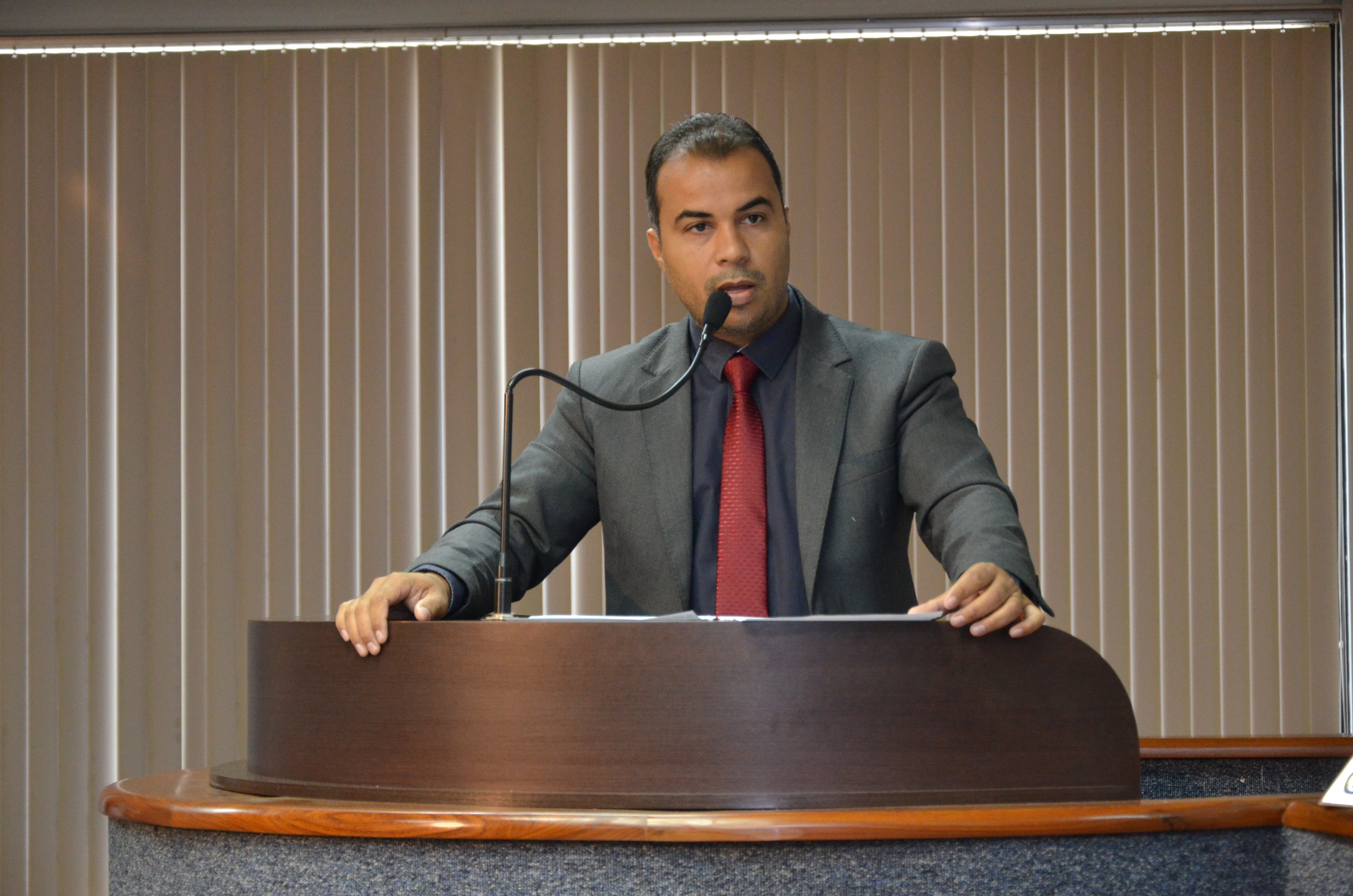O Projeto de Lei é de autoria do vereador Filipe Martins (PSC).
